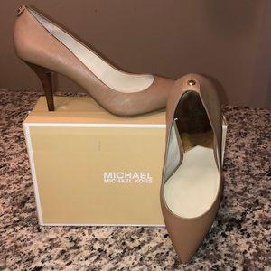 MICHAEL Michael Kors Flex Mid Pump- Dark Khaki